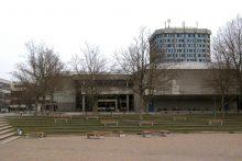 Blauer Turm mit Campus 02